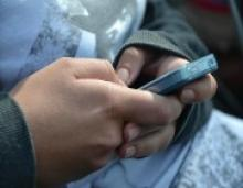 Teens Continue to Sext, Researchers Say